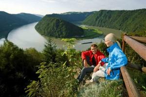 Wandern am Donausteig bei Schlögen  © WGD Donau Oberösterreich Tourismus GmbH