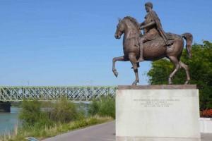 Reiterstandbild des Kaisers Marc Aurel am Donauradweg in Tulln © Eva Kuttner
