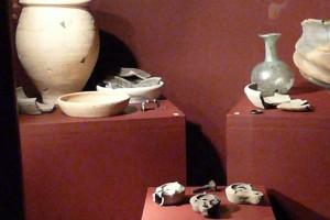 Grabbeigaben und Urnen © Eva Kuttner
